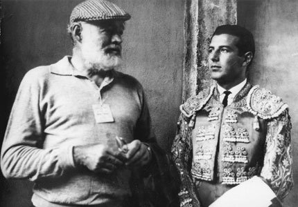 https://fiskeharrison.files.wordpress.com/2011/11/ernest-hemingway-and-antonio-ordc3b3c3b1ez-by-unknown.jpg